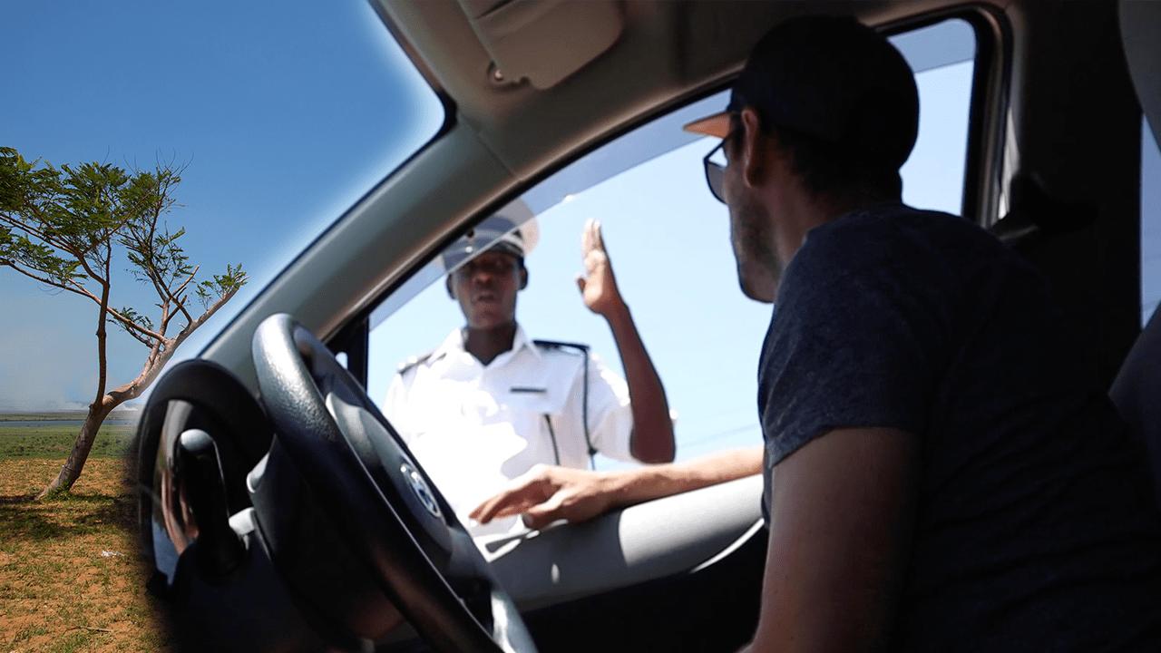 Mosambik Roadtrip Polizeikontrolle.png